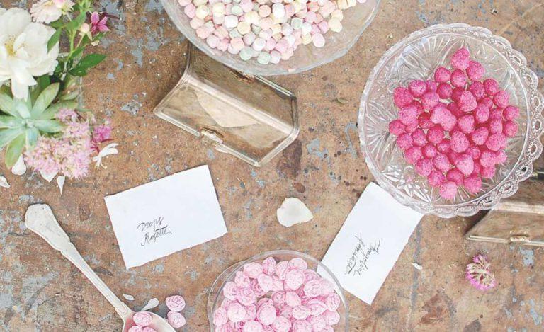 Cerchi nuove idee per personalizzare bomboniere, segnaposto e confettata? Idee creative  segnaposto Matrimoni a tema consigli confettata bomboniere