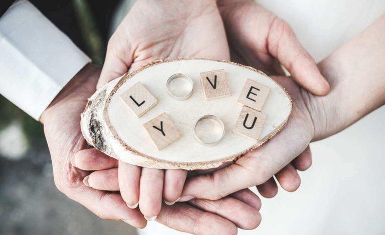 Fedi nuziali, simbolo d'una promessa d'amore! Idee creative Ispirazioni  Fedi consigli